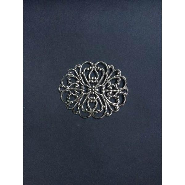 Gümüş Desenli Oval Broş