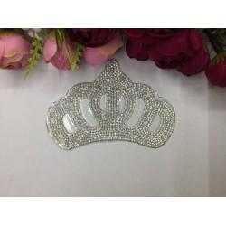 Ütüyle Yapışan Orta Boy Kristal Kraliçe Tacı